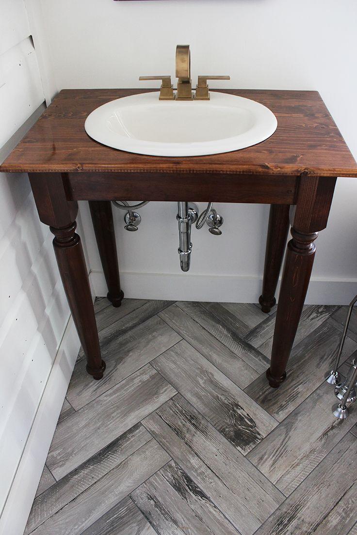 Best 25 vintage bathroom vanities ideas on pinterest - Old fashioned bathroom furniture ...