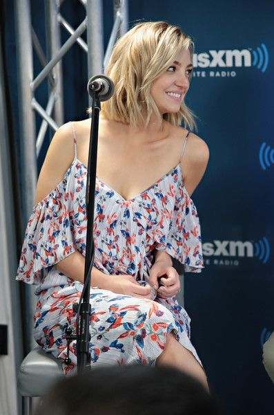 Abby Elliott Photos Photos - Actress Abby Elliott participates in SiriusXM's Town Hall with Bravo's Odd Mom Out cast hosted by creator and star Jill Kargman on July 12, 2017 in New York City. - SiriusXM's Town Hall With Bravo's Odd Mom Out Hosted by Creator and Star Jill Kargman