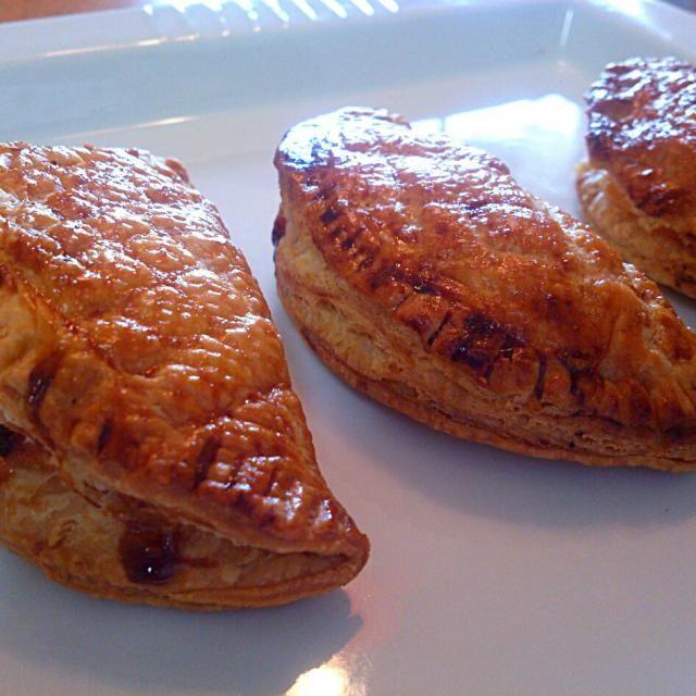 カスタードクリームとりんごを入れたパイ!! 小さなパイって可愛い♥ - 30件のもぐもぐ - アップルカスタードパイ by sifonn