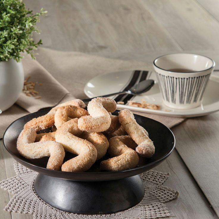As melhores receitas para a Bimby, dicas, enfim ... tudo e mais alguma coisa sobre Bimby :) - Ingredientes: Açucar / Amêndoa / Clara de Ovo / Farinha / Manteiga / Ovo