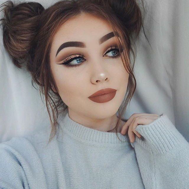 What a pretty look by the gorgeous @ohmygeeee she's so cute❤️#makeup#makeupaddict#makeupjunkie#makeupmafia#makeupgeek#wakeupandmakeup#anastasiabeverlyhills#tarte#toofaced#urbandecay#mac#glam#glammakeup#instaglam#glamtutorial#eyeshadow#eyeshadowtutorial#cutcrease#likeforlike#followforfollow#f4follow#spacebuns#cute#kyliecosmetics#kylielipkit#fall#fallmakeup