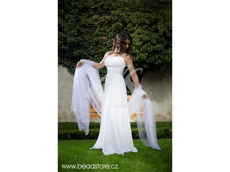 Krásné svatební šaty.