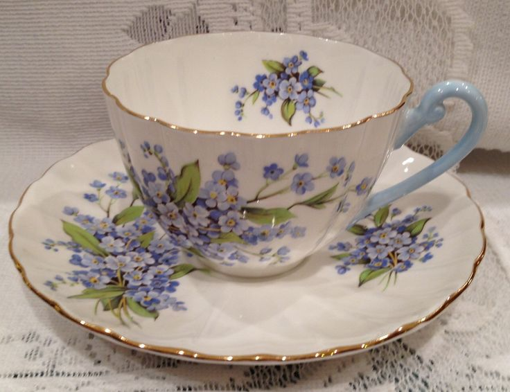 Vintage, English SHELLEY Fine Bone China Tea Cup & Saucer by CupsAndRoses on Etsy https://www.etsy.com/listing/234199366/vintage-english-shelley-fine-bone-china