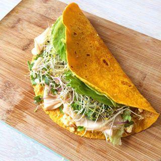 Weet je al wat jij gaat maken als lunch vandaag? Deze wortel tortilla met kip vind je nu op mijn blog  het recept is gemaakt door @anne_quakernaat super lekker! #linkinbio #happy #healthy #lifestyle #gezondeten #lunch #foodilove