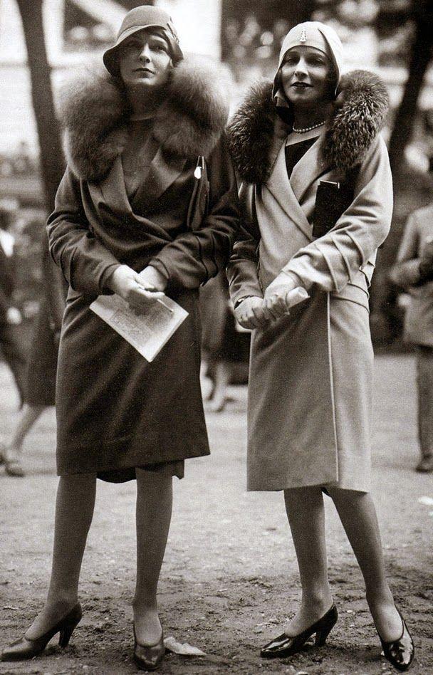 Vtg everyday: 15 Vintage Photos Show Beautiful Fashion of the 1920's, stylish French ladies.