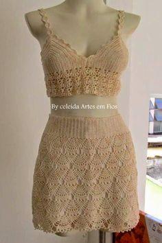 Mais um trabalho concluído! Uma linda saia em crochê, que achei no site da Coats Corrente, fiz algumas modificações na cintura . Em breve...