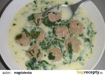 Polévka z medvědího česneku s masovými knedlíčky recept - TopRecepty.cz