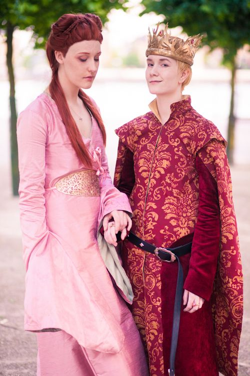 Game of Thrones awesome Joffrey and Sansa cosplay couple