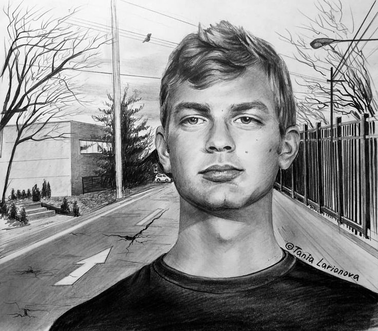 Here Jeff just turned 22, and maybe it wasn't too late to turn back. Although the dismissal from the army and the first murder committed at 18 already were behind. The eyes still have a twinkle, and the corners of the lips are not folded down. Until the next murder 5 years. #jeffreydahmer