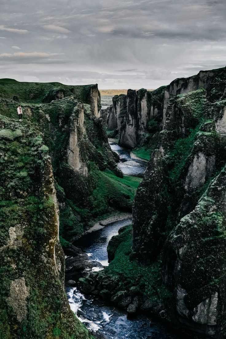 Traveling to Iceland tips, 10 things I wish I'd known before going.   #iceland #icelandvacation #travelingtoiceland traveling to iceland | traveling to iceland cheap | traveling to iceland in winter | traveling to iceland packing lists | traveling to icel