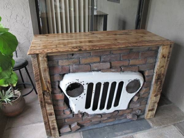 Jeep themed service counter.