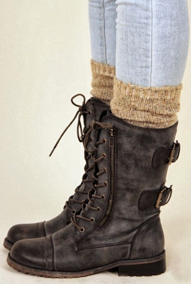 Amazing Dark Brown Leather Boots with Cute Beige Boot Socks, Fashion for Fall and Winter.....New trend alert Socks or Leg warmers under boots! ;)