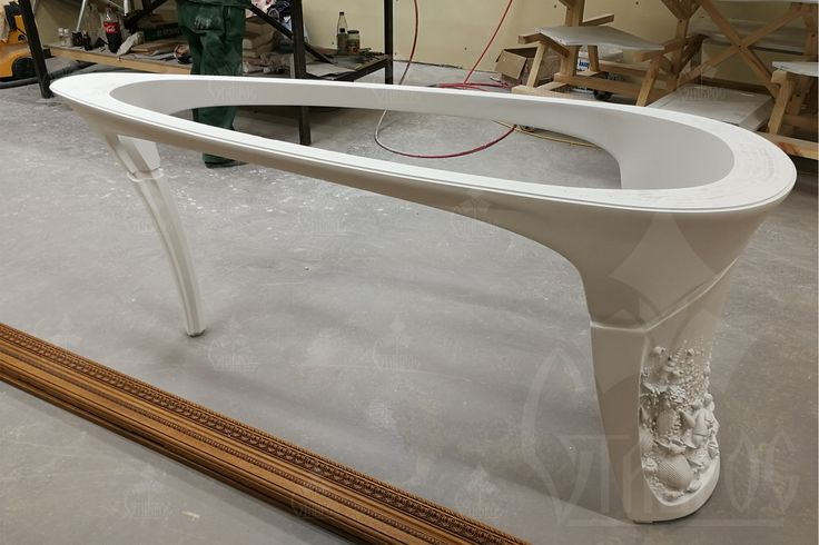 Окрашенный  буковый каркас стола