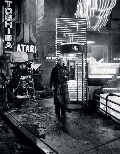 MoonAge • error888: Rutger Hauer filming 'Blade Runner'