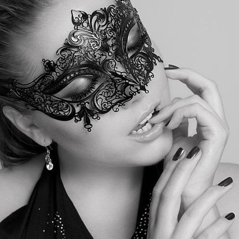 Majestic Crown Collection - Sexy Metal Laced Laser Cut Venetian Masquerade Ball Eye Mask - Clear Diamante Rhinestones