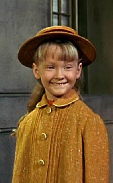 Karen Dotrice who played the  daughter in Mary Poppins turns 62 today - she was born 11-9 in 1955.