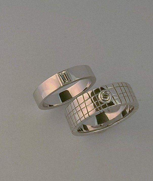 Truscelli joailliers wedding  bands. Or blanc diamants. Réalisées dans notre atelier