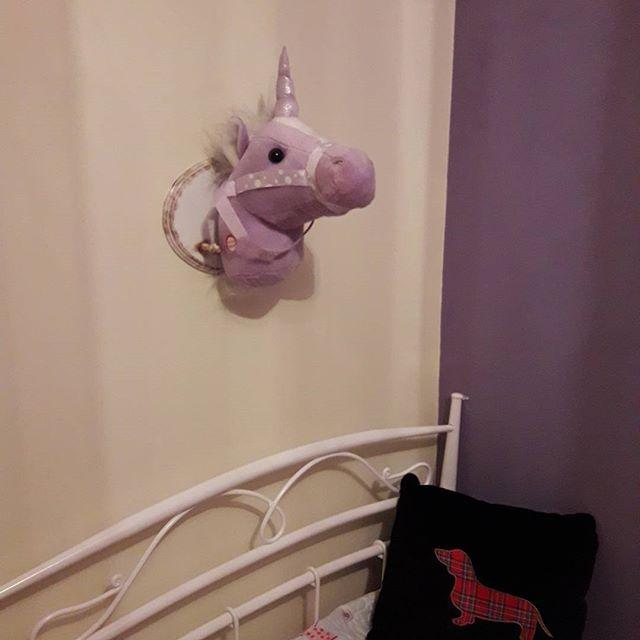 Każda ma swojego jednorożca 🦄 #diyhome #diy #handmade #decoupage #unicorn #decor #dodatkidodomu #homedecore #girlroom #purple 💜