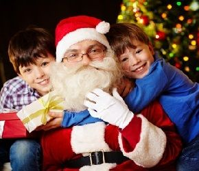Прежде всего эти праздники важны для детей – большинство из них верят в Святого Николая и Деда Мороза. Нужна ли ребенку правда о Дедушке Морозе? Речь идет