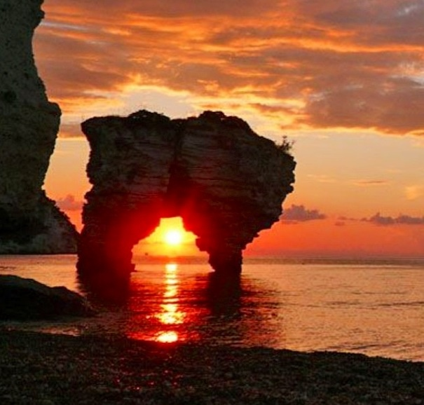 Baia dei Faraglioni al tramonto  #vieste #gargano #Puglia