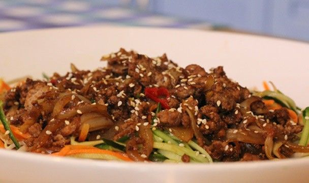 Hoisin Mince Salad   Food   The Home Channel