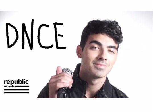 Джо Джонас фото для рекламы новой группы DNCE