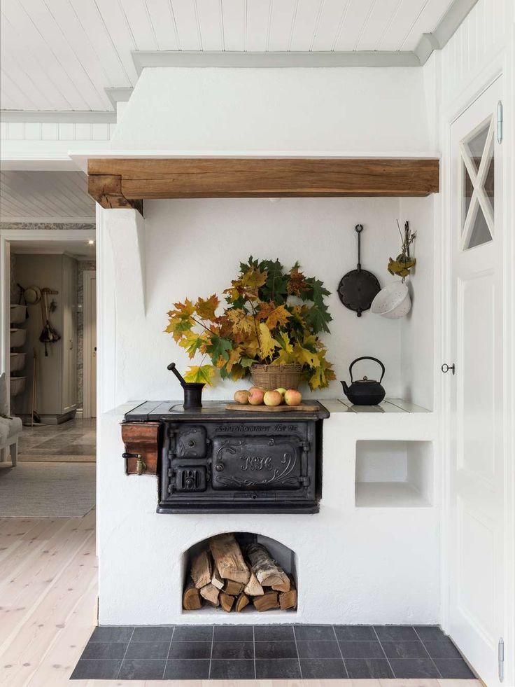 1700-talsgard med gammalt lantligt kök