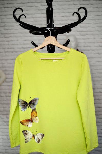 Butterfly hand painted by Letycja w Letycja odzież ręcznie malowana na DaWanda.com