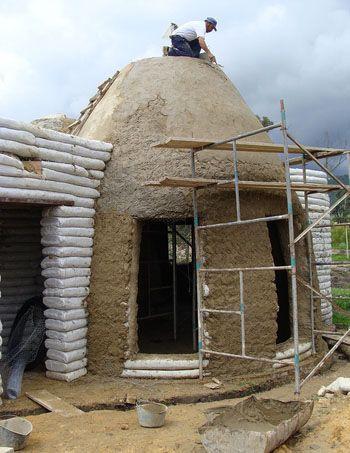 Clube do Concreto: Casa de Earthbag na Colombia com passo a passo                                                                                                                                                      Mais