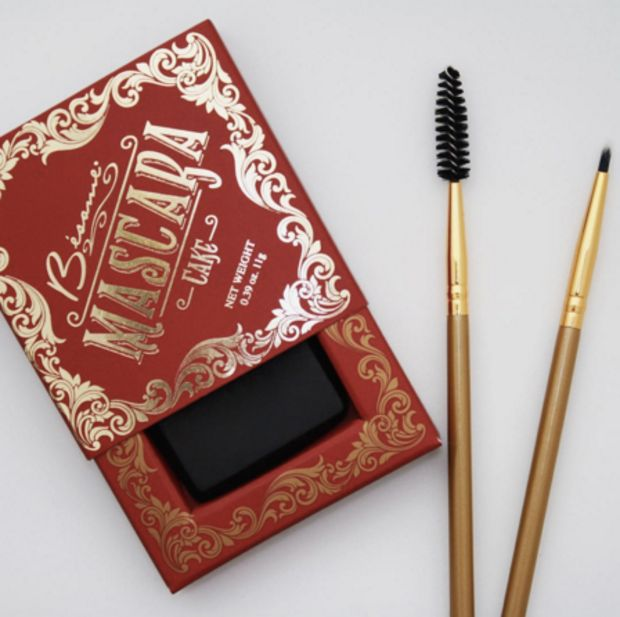 Bésame cosmetics have the vintage cake mascara in a box and I really wanna try it, I've heard great things about it!