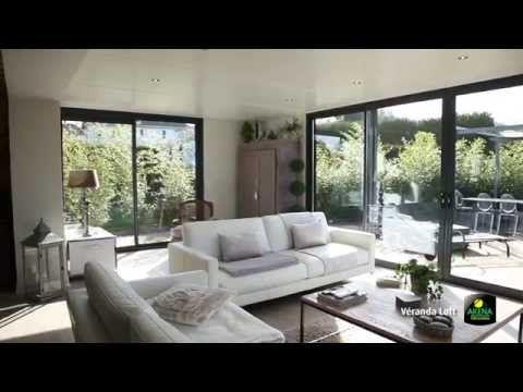 Extension contemporaine: une extension de maison sur-mesure avec plafond plat   AKENA Vérandas