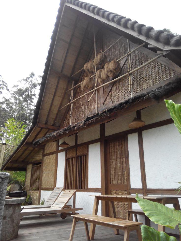 Traditional modern Sundanesse cottage at Dusun Bambu