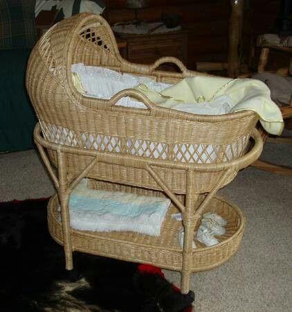 I found my bassinet. Im in love:)