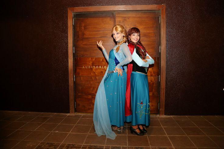 Aqui no Complexo Enotel Porto de Galinhas, a Anna e a Elsa encantam os pequenos com o espetáculo Frozen. http://www.enotel.com.br/default-pt.html #enotelexperience #experienciaenotel #enotel #portodegalinhas #frozen #ferias #diversao