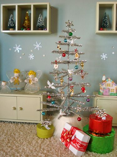 Miniature Tinsel Tree DIY.  We've done these and they're adorable.