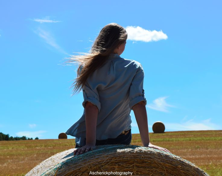 Senior Photography * Farm Photography * Hay Bale Photography *  Country Photography * Summer * Senior Photography Ideas *