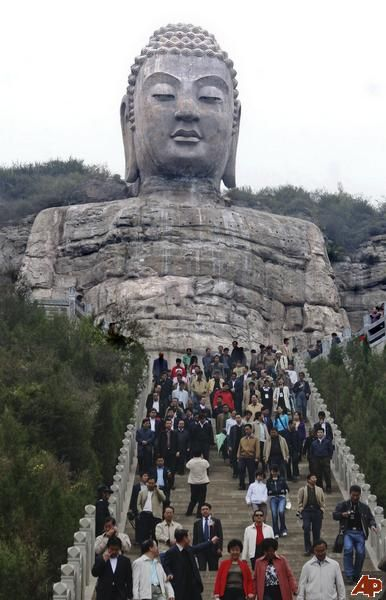 Oldest Buddhist statue in China http://www.travelbrochures.org/52/asia/china-and-its-major-attractions