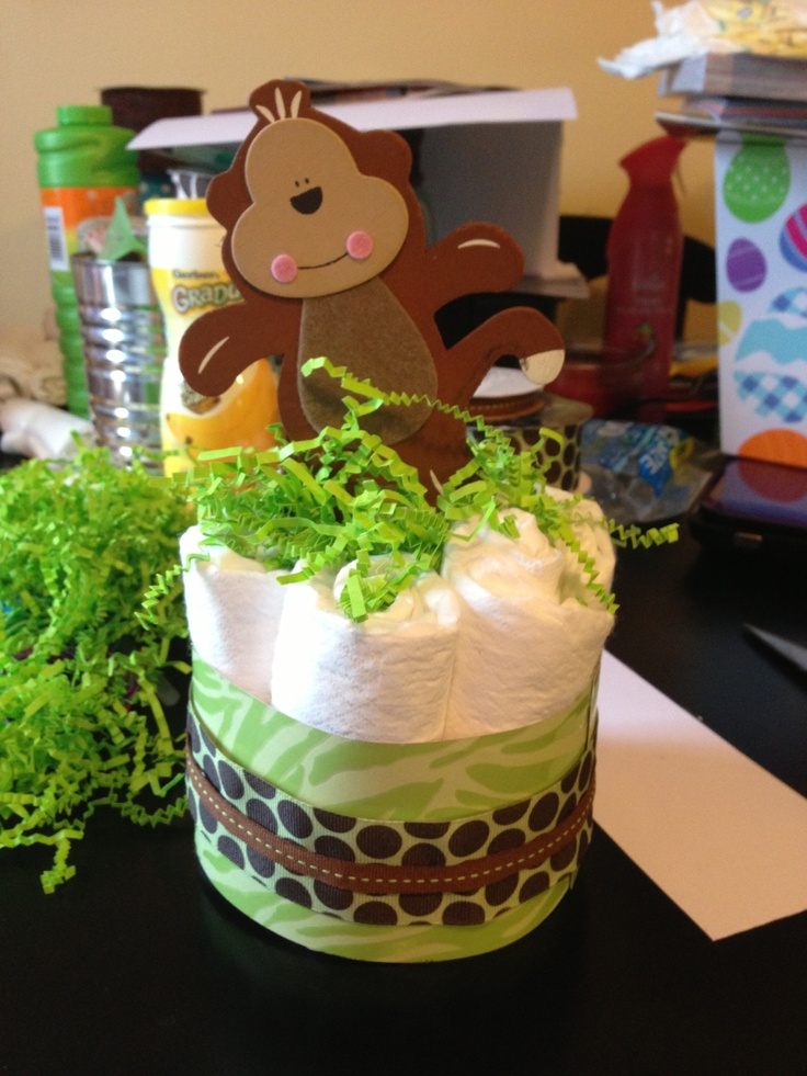 Safari themed baby shower diaper cakes baby shower ideas for Baby shower safari decoration