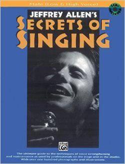 Este libro ofrece todo lo necesario para obtener el dominio técnico y musical vocal. Algunos de los aspectos más destacados incluyen: Principios básicos de canto, el dominio de la voz superior, lograr el poder de una garganta abierta, etc. Ver copias disponibles en: http://nubr.co/sXNkKT