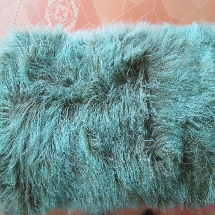 Best 25+ Fur Rug Ideas On Pinterest