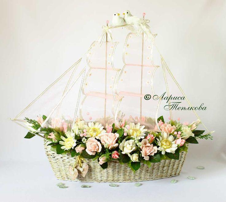 Конфетный корабль свадебный