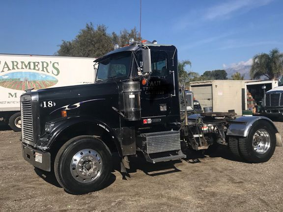 2007 Freightliner Classic Day Cab 18 In California For Sale By Tradermick The Roving Auctioneer Freightliner Freightliner Classic Cab