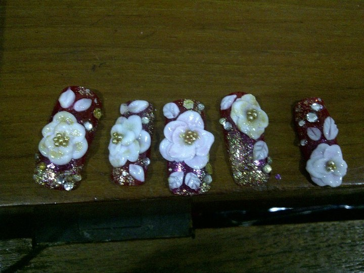 For my fren's event.. i'm using 3d acrylic for the flowers :D