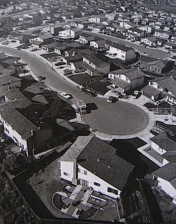 BILL OWENS - SUBURBIA: Urban Planners, Documentaries Style, Town Suburbia, Bill Owens, Suburban Living, Art Photography, Suburban Dreams, Cities Shape, Toys Town