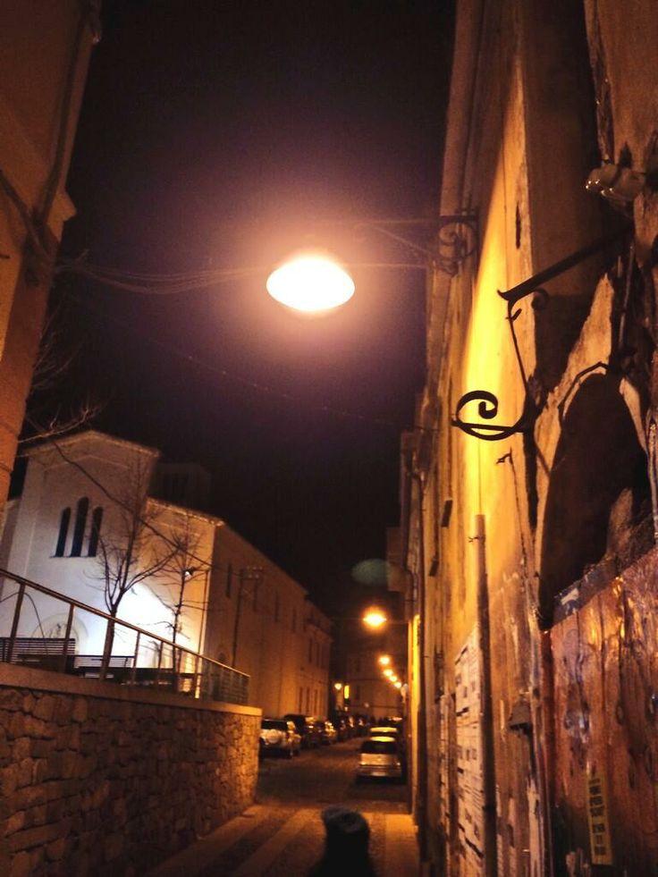 Ricordi dalla #NBTW : la notte ha il potere di silenziare i centri storici e dare voce alla storia che raccontano ;)