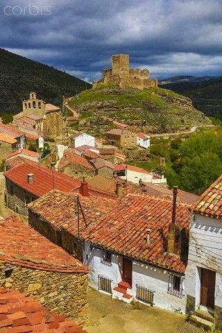Spain, Castilla Leon Community, Soria Province, Magaña Castle and town