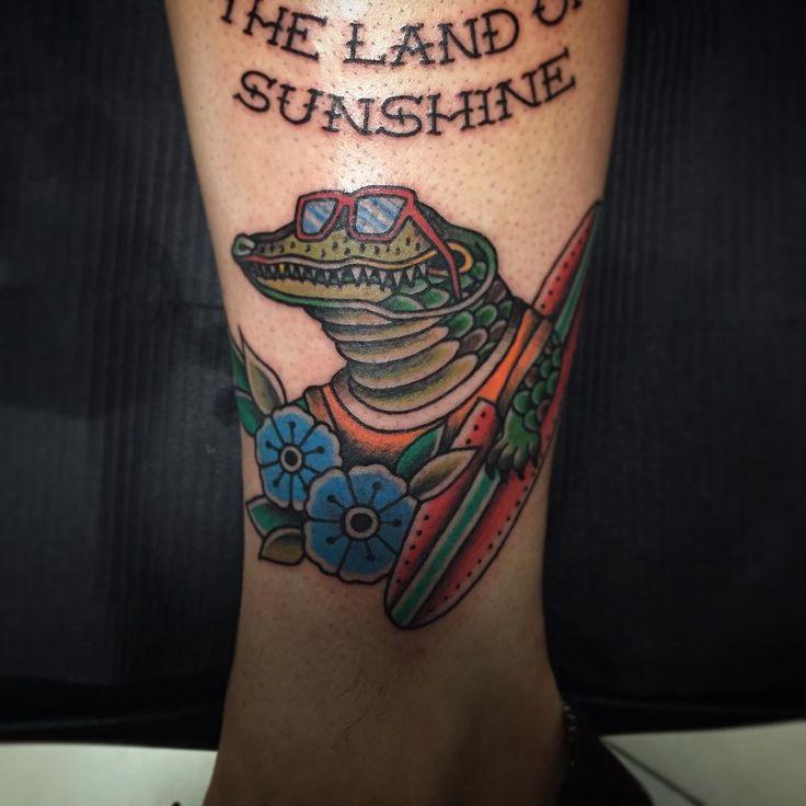 """Cocodrilo surfero en honor a Florida. Thanks Andrew!! Me he divertido muchísimo con este tatuaje! #tattoos #tattoo #tattooart #tattooartist #art…"""