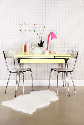 Lampka na stolik i biurko Barefoot