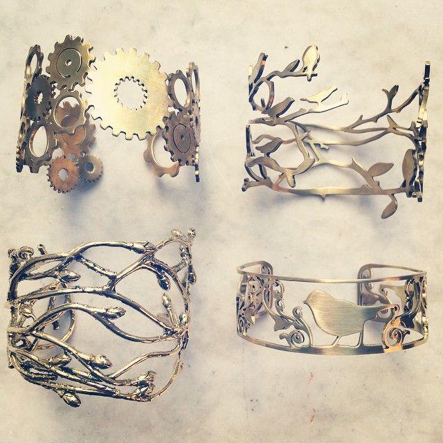Armband Bracelet bonanza. KUGG 595 SEK, SKOG 595 SEK, BJÖRK 1195 SEK, SKOG NokMuu 495 SEK. All in hand sawn or casted brass.