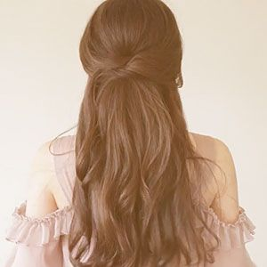 We asked Birmingham-based bloggers, Irrelephant, to share how to master simple Southern hairstyles. Here, we show you how to get this elegant half-up do.   See More Hairstyles:The Side-PinThe Side-TwistThe Low Bun with VolumeCreated and edtied by Kinora Films